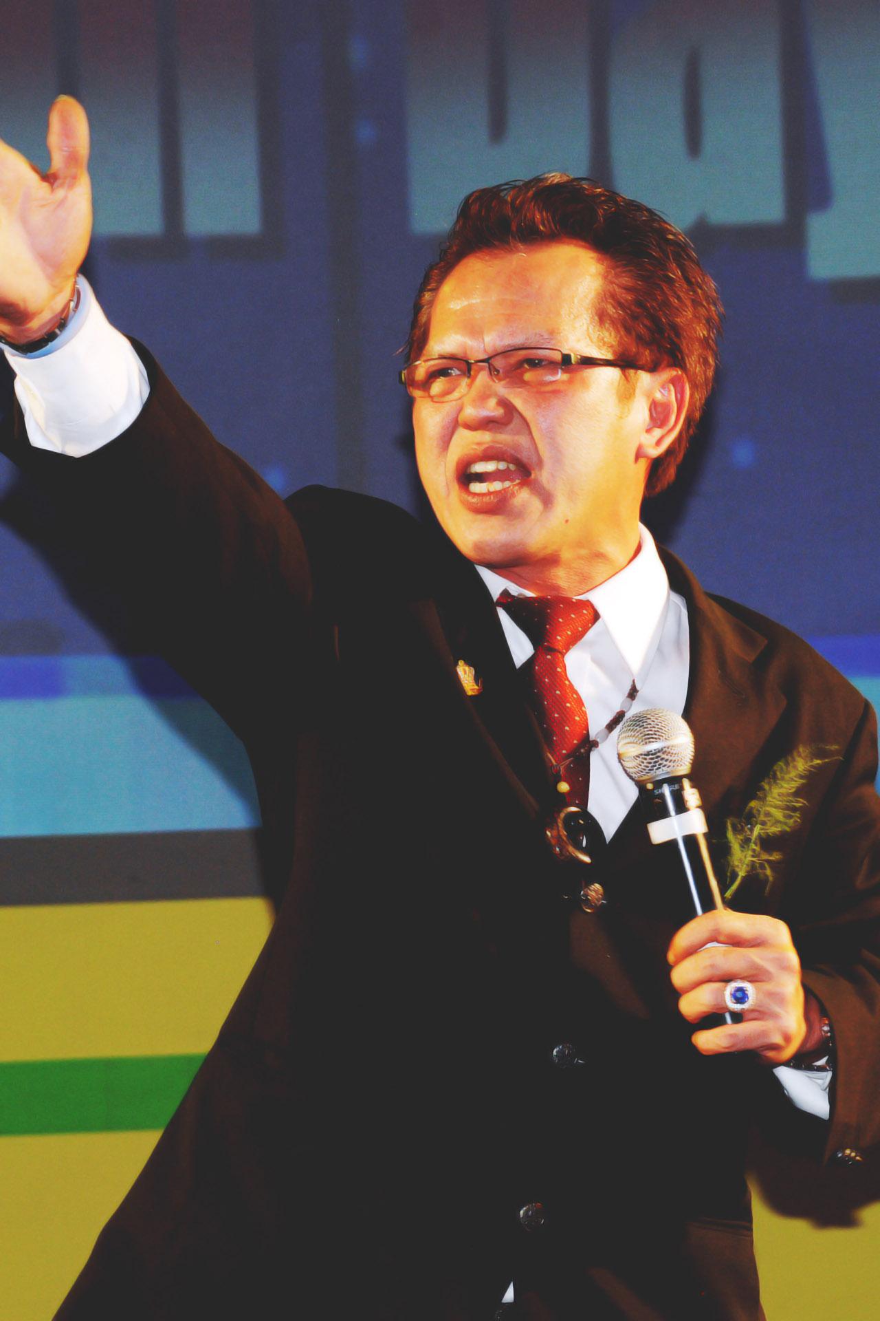 [:en]Santoso Nyotokusumo - Royal Crown Ambassador 13[:]